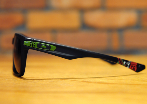 oakley-garage-rock1